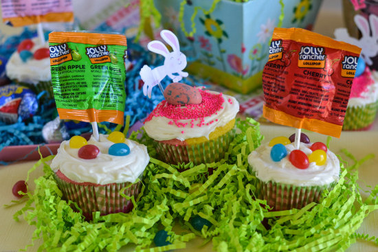 Easy Easter Cupcakes with HERSHEY Easter Candy #BunnyTrail