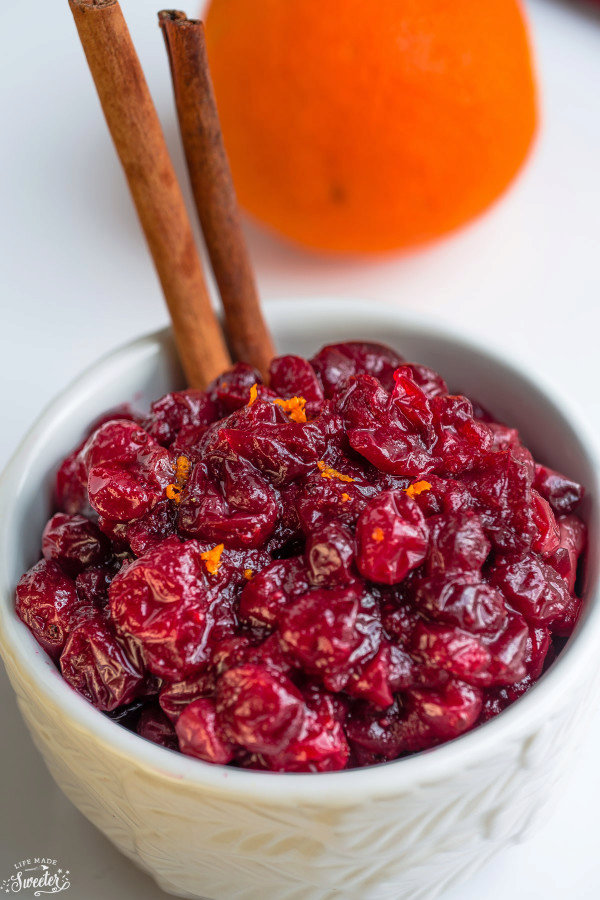 Slow Cooker Homemade Cranberry Sauce